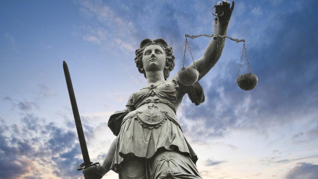 La-Dea-della-Giustizia
