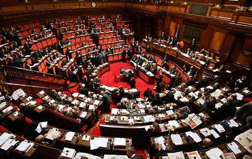 Un parlamento indebolito vulnus della democrazia